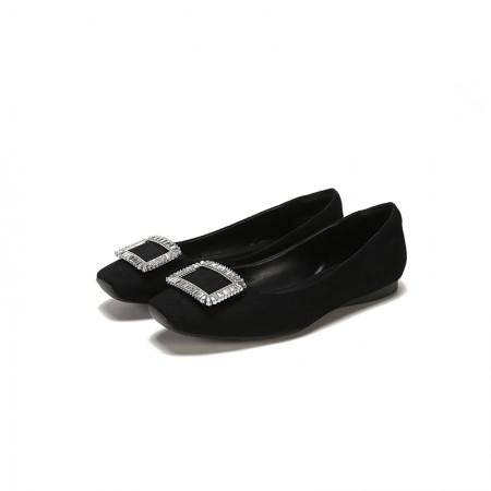 达芙妮2018春新款水钻方扣百搭舒适时尚女单鞋平底鞋1018101098·黑色
